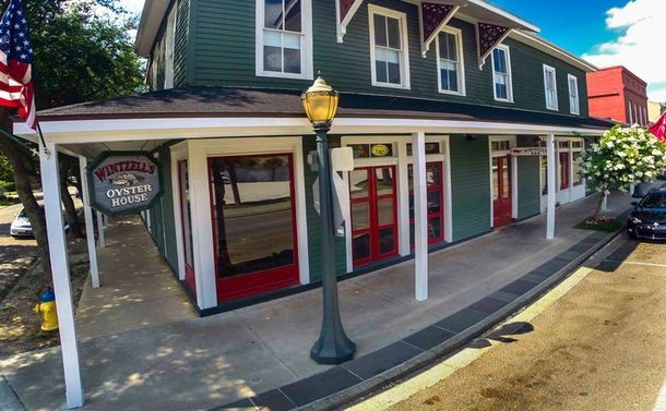 Wintzell's Oyster House, Top restaurants in Mobile Alabama